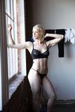 Iliza Shlesinger nude leaked photos (pussy closeup)