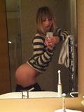 Suki Waterhouse nude leaked photos (full frontall)